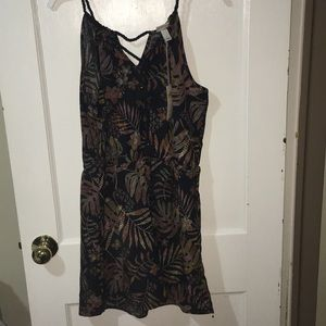 COPY - NWT Black Floral Romper with Pockets. Large